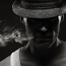 1409758889_men-smocking-silouhette_ipad